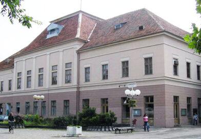 Ustanove kulture: zatvoreni Gradsko pozorište, Gradski muzej i sve ispostave Gradske biblioteke