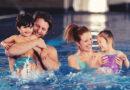 Научите дете да плива кроз игру