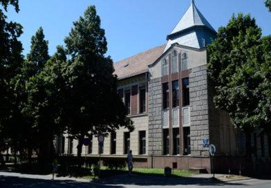 Gimnazija Bečej: Obnovljen kabinet za informatiku